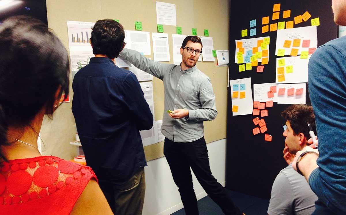 how to get a design job at airbnb desk of tobias van schneider the airbnb design team loves their postit s