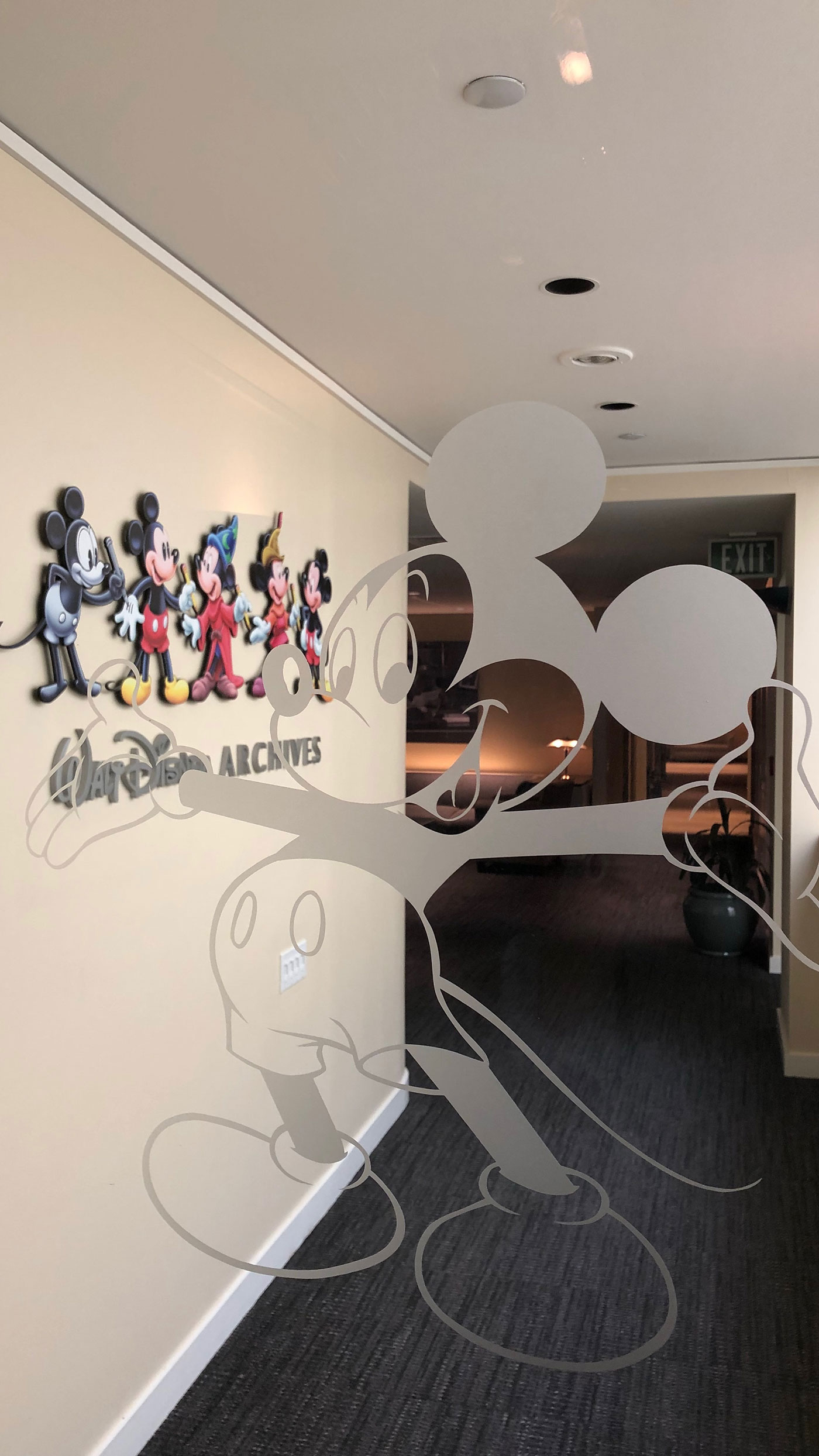 Disney interior design internship - How to get a job as an interior decorator ...